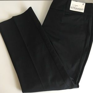 NWT Black straight leg crop pants size 2, mid rise